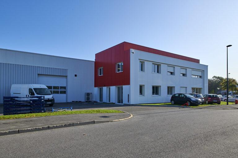 vue exterieure batiment activites autopuzz agence archi factory
