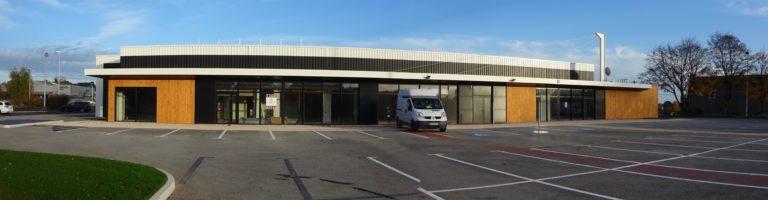 vue parking la ronde bretonne activite et commerce baud morbihan